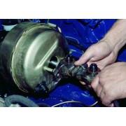 Цилиндр тормозной главный - замена
